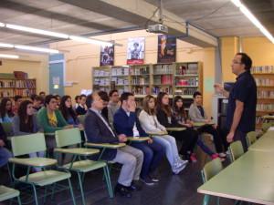 Xavier Pla parlant d'Eugeni Xammar a l'IES de l'Ametlla del Vallès