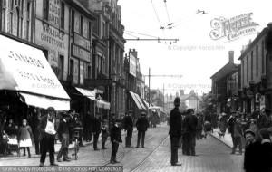 Fleet Street, el carrer de Londres on hi havia les redaccions i agències telegràfiques, en una imatge del 1913.